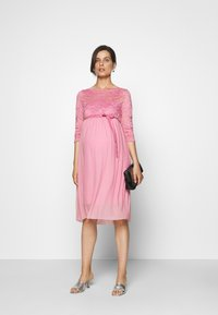 MAMALICIOUS - Vestido de cóctel - cashmere rose - 1