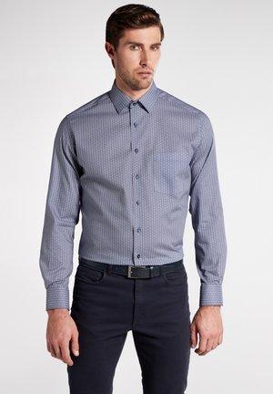 MODERN FIT - Shirt - marine