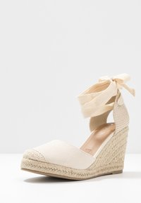 Rubi Shoes by Cotton On - JARDAN TIE UP  - Sandály na vysokém podpatku - stone - 4