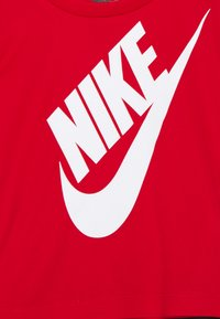 Nike Sportswear - FUTURA SET UNISEX - Survêtement - black/university red - 3