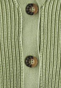 Monki - ZETA CARDIGAN - Cardigan - green - 2