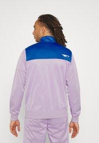 Hi-Tec - ASHFORD TRACKSUIT - Tracksuit - purple/blue - 2
