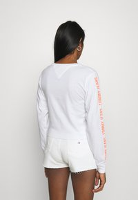 Tommy Jeans - Long sleeved top - white - 2