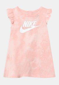 Nike Sportswear - MAGIC CLUB SET - Jersey dress - pink foam - 0
