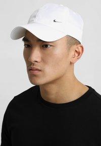Nike Sportswear - UNISEX - Cap - white - 1