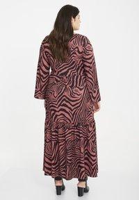 SPG Woman - Maxi dress - raspberry rose - 2