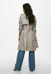 ONLY - Trenchcoat - vintage khaki - 2
