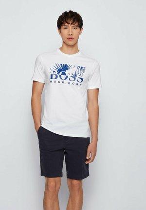 TEALLY - Print T-shirt - natural
