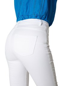 Yest - JOY ESSENTIAL - Trousers - white - 3