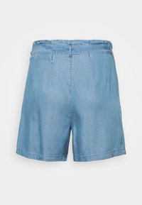 ONLY Carmakoma - CARJEMMA LIFE - Shorts - medium blue denim - 1