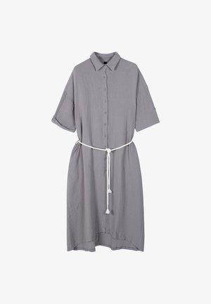 MIDI CRINKLE - Shirt dress - silver grey