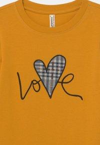 Blue Effect - GIRLS LOVE LONGSLEEVE - Long sleeved top - senf reactive - 2