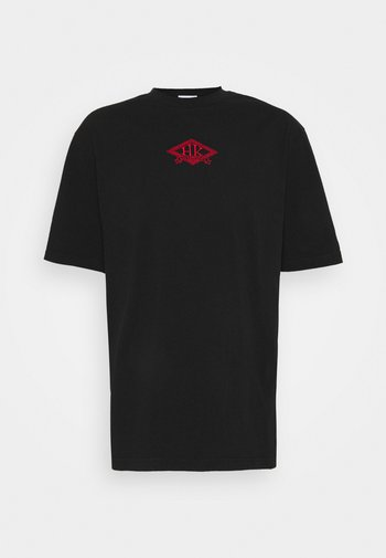 BOXY TEE FRONT - Print T-shirt - faded black/red