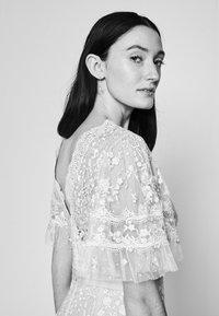 Needle & Thread - FRANCINE DRESS - Occasion wear - strawberry icing - 3