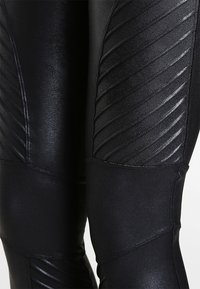 Spanx - MOTO - Leggings - Stockings - very black - 4