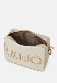 LIU JO - CROSSBODY - Across body bag - natural - 2