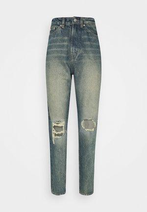 KNEE SHRED TURN UP HEM MOM JEAN - Jeans baggy - blue