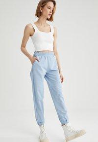DeFacto - Pantalon de survêtement - blue - 1