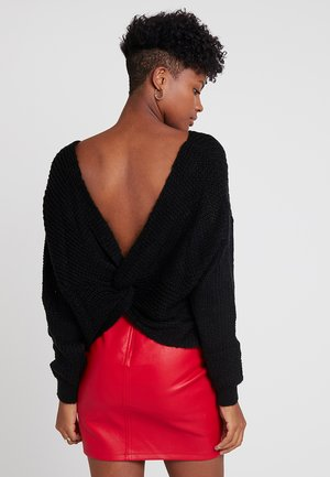 FLUFFY YARN TWIST BACK JUMPER - Jumper - black