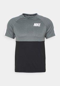 Nike Performance - DRY - Camiseta estampada - black/smoke grey/white - 4