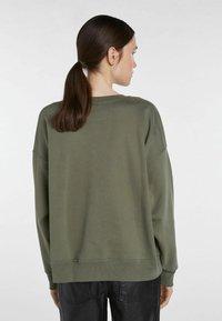 SET - STATEMENT - Sweatshirt - ivy green - 2