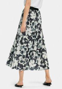 MARGITTES - Pleated skirt - schwarz/weiß - 1