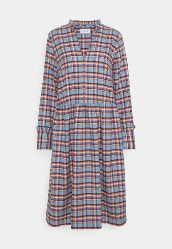 ALLEY DRESS - Denní šaty - skye blue