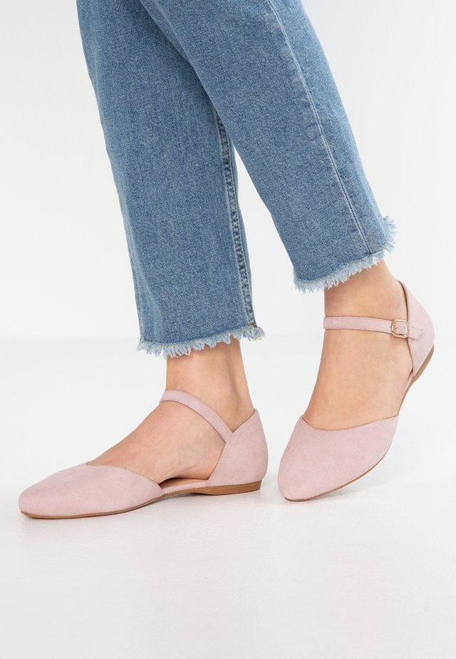 Ankle strap ballet pumps - rose