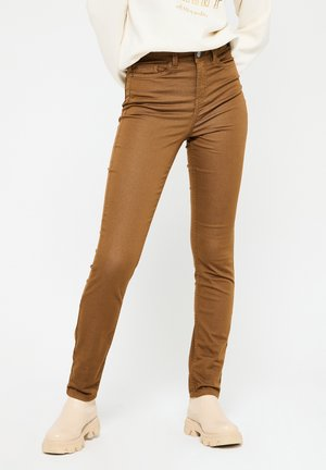 WITH HIGH WAIST - Jeans Skinny Fit - camel