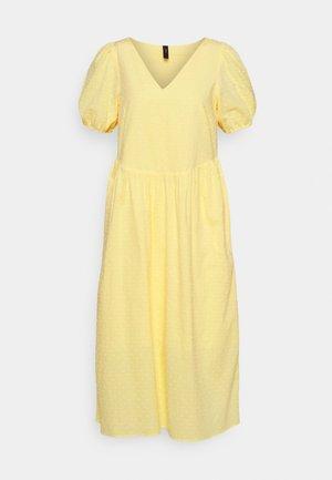 YASBANA MIDI DRESS - Vestido informal - pale banana
