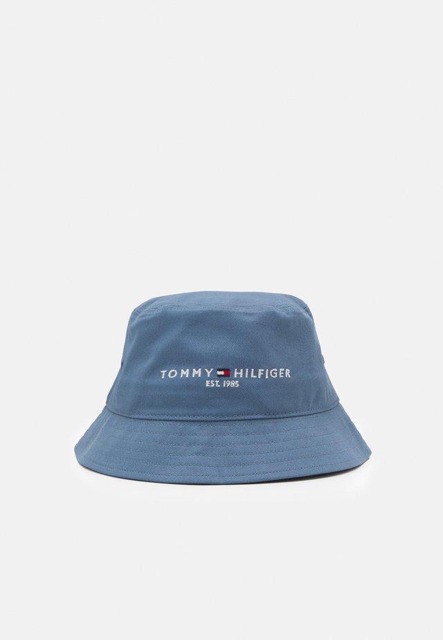 ESTABLISHED BUCKET HAT UNISEX - Hoed - colorado indigo