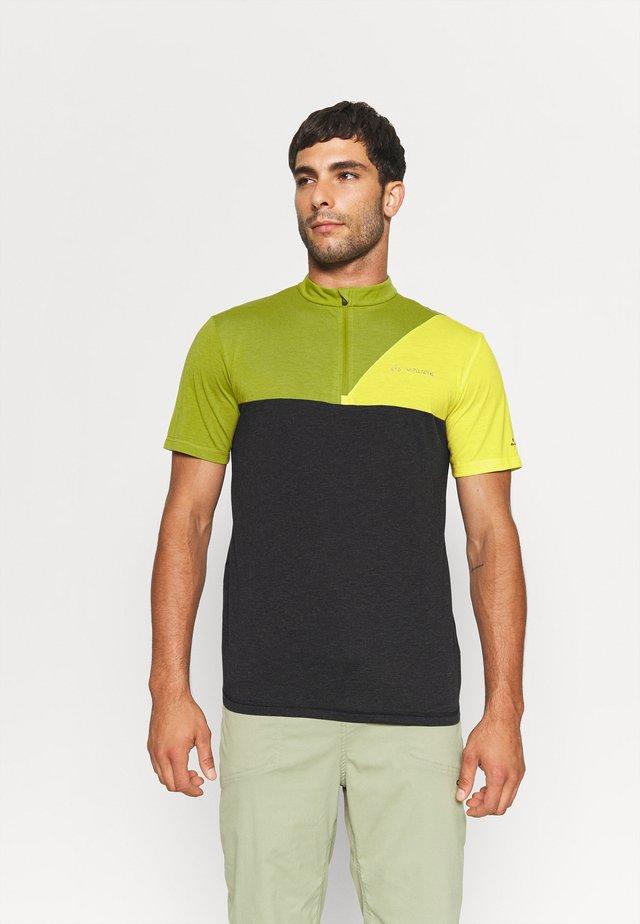 TREMALZO IV - Camiseta estampada - black/green