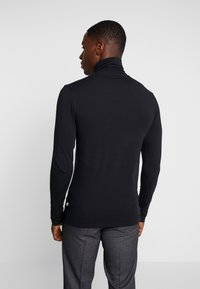 Pier One - Longsleeve - black - 2