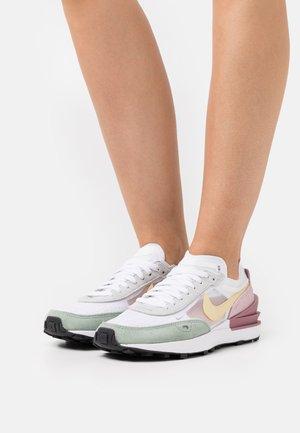 WAFFLE ONE - Sneakers laag - white/lemon drop/regal pink