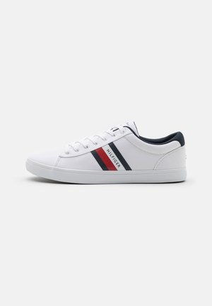 ESSENTIAL STRIPES DETAIL - Sneakersy niskie - white
