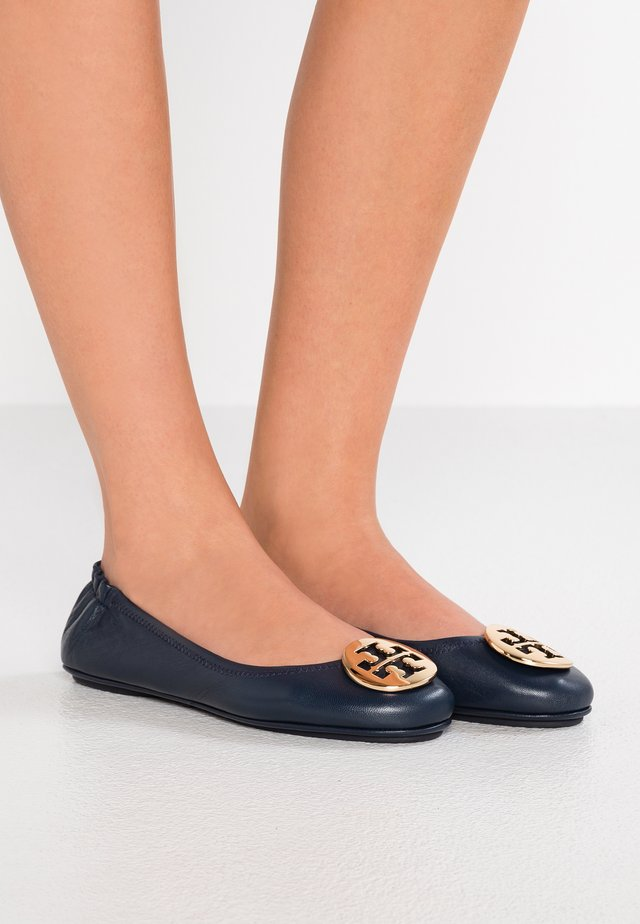 MINNIE TRAVEL BALLET  - Ballet pumps - ink navy/gold
