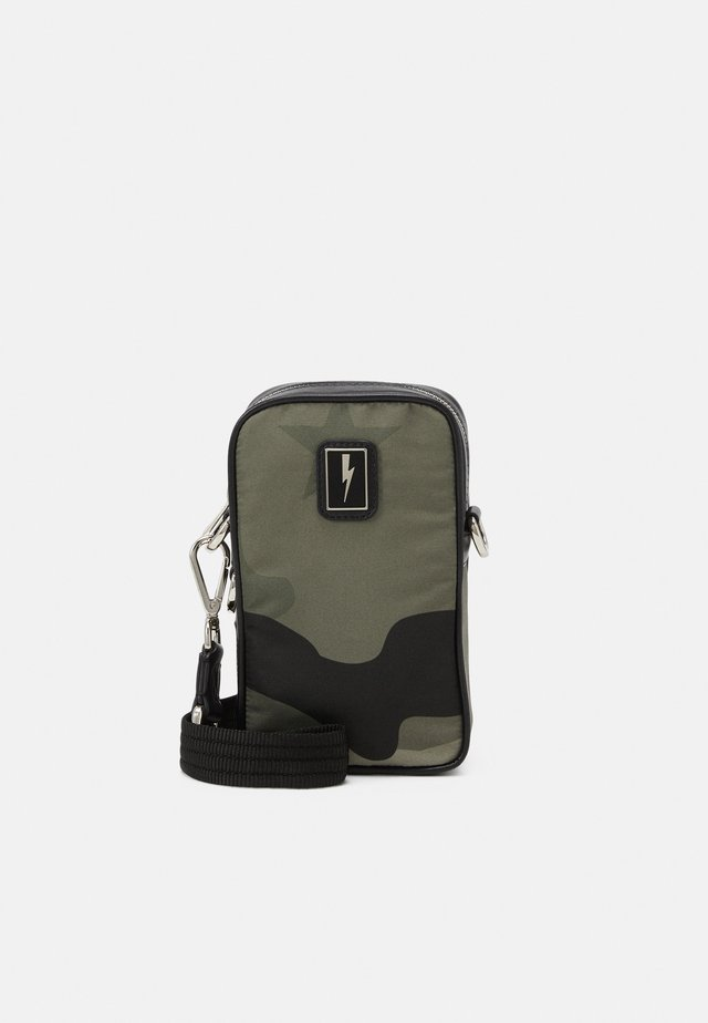 CAMO NEW SACOCHE - Across body bag - dark green/black