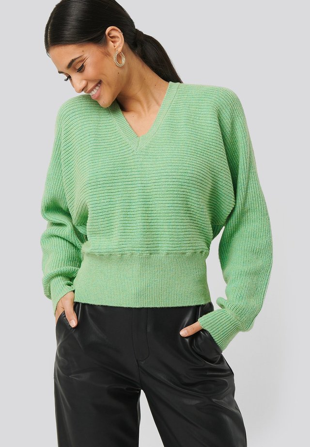 OVERLAP KNITTED - Trui - green