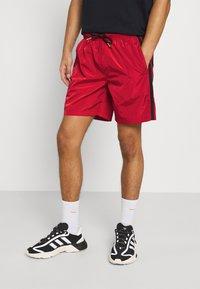 Glorious Gangsta - HARLAN - Shorts - red - 0