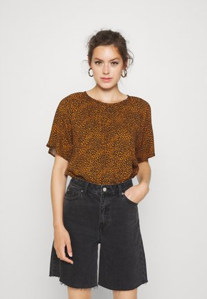 JDYPEARL - Blouse - black/leather brown