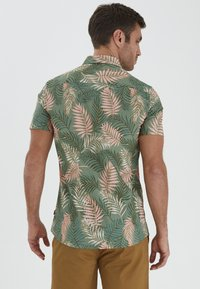 Solid - Shirt - hedge green - 2