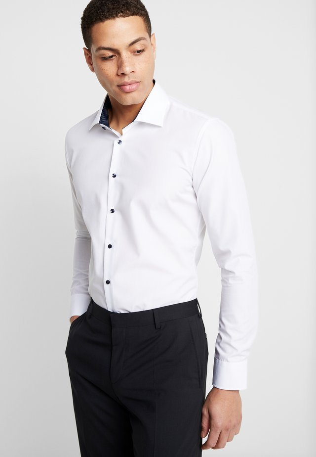 BUSINESS KENT EXTRA SLIM FIT - Kauluspaita - white