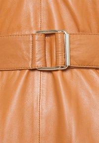Ibana - DAVINE - Denní šaty - cognac - 2
