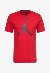 Jordan - Triko spotiskem - gym red/black - 3