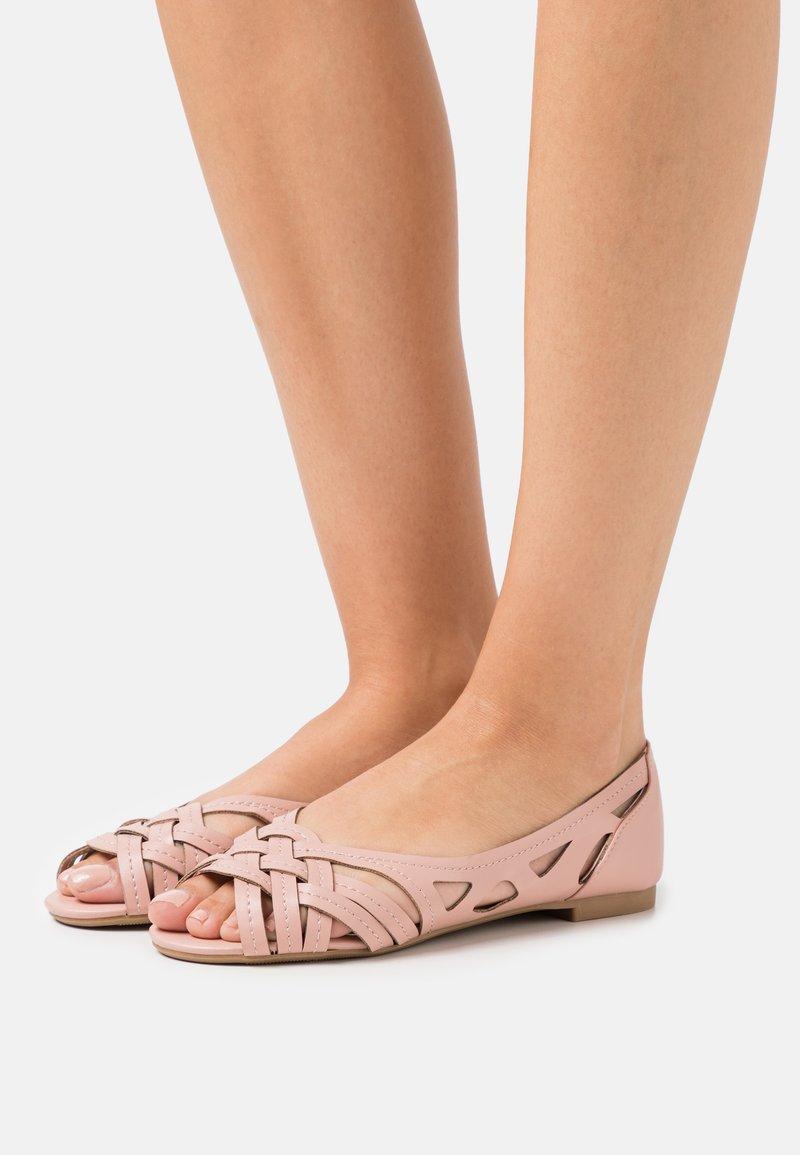Dorothy Perkins - PEARLENE  - Peeptoe ballet pumps - blush