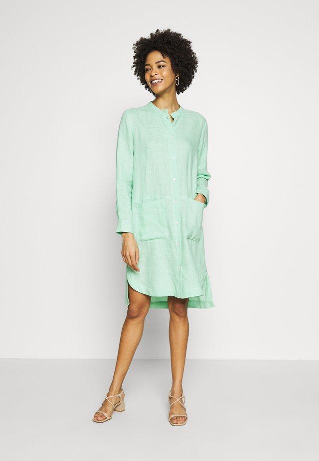 Skjortekjole - pastell mint
