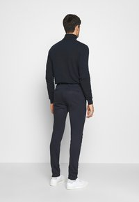 Jack & Jones - JJIMARCO JJPHIL - Broek - dark navy - 2