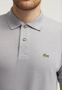 Lacoste - Polo shirt - platinum - 4