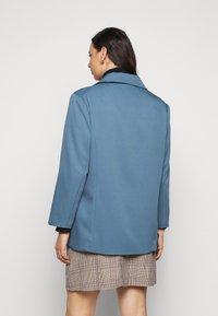 Missguided Plus - GRANDAD SIDE SPLIT  - Short coat - blue - 2