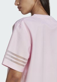 adidas Originals - Basic T-shirt - pink - 3